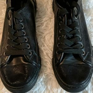 SEVEN7 Black Lace Tie Sneakers